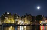 Canal promenade atnight